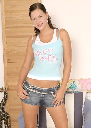 Teen Shorts Porn Pictures
