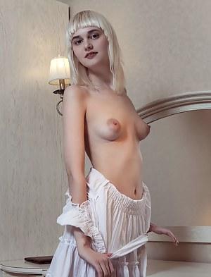 Blonde Teen Porn Pictures